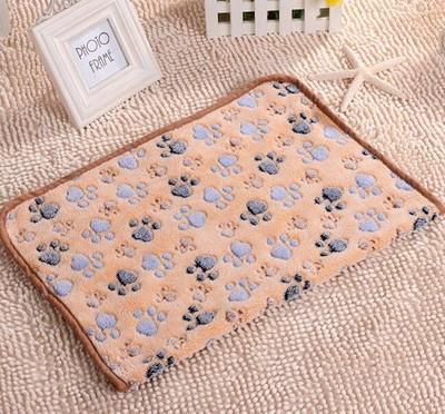 Al1 Плед для собак светло коричневый с лапками, размер 60х40см (фото)