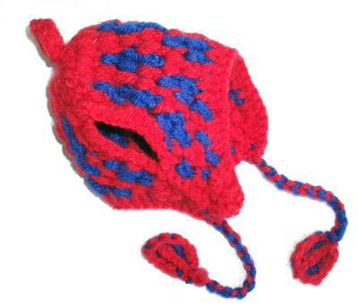 Шапочка для собак красно/синяя вязанная, размер М (фото)