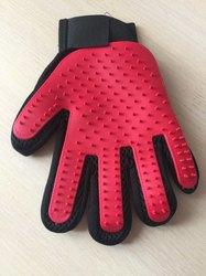 Al1 Рукавица для чистки шерсти у животных красная