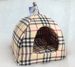Бобровый дворик Домик лежак для кошек и собачек, цвет шотландка бежевая