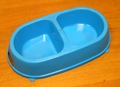 ГАММА Миска пластмассовая двойная для кошек и собак мелких пород, 2х0,26л, цвет в ассортименте